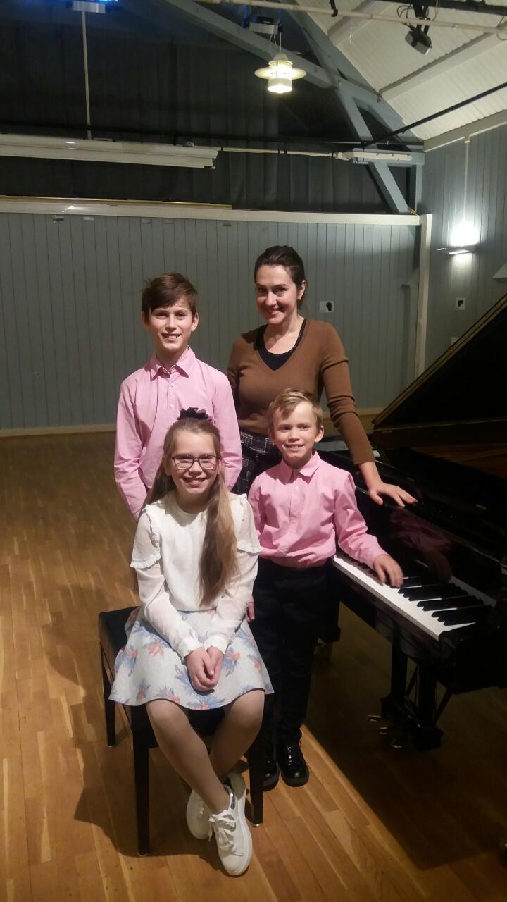 UMM pianoelever med pianolærer