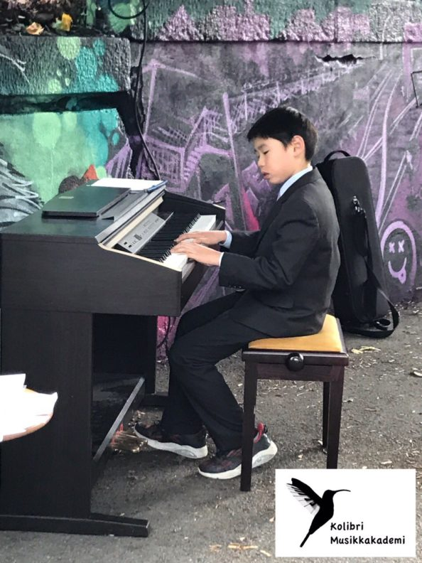 musikkskole i Munkedamsveien, piano, fiolin, pianoelev, pianolærer, fiolinlærer, musikkskole, kulturskole, pianokurs, fiolinkurs, lær å spille piano, musikkopplæring, pianoopplæring, aktivitet for barn