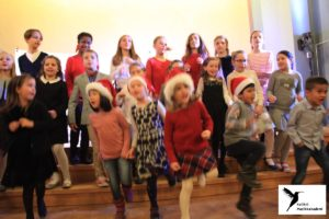 Musikklek er musikkurs for små barn fra 4-5 år som forbereder elever for individuelle timer musikktimer barn 4 år barn 5 år musikkintroduksjon