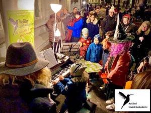 Halloween musikkskolen Oslo spill piano, konsert ute, Frogner musikkskolen, Ruseløkka Haloween, Sentrum musikk lær å spille, musikkelever