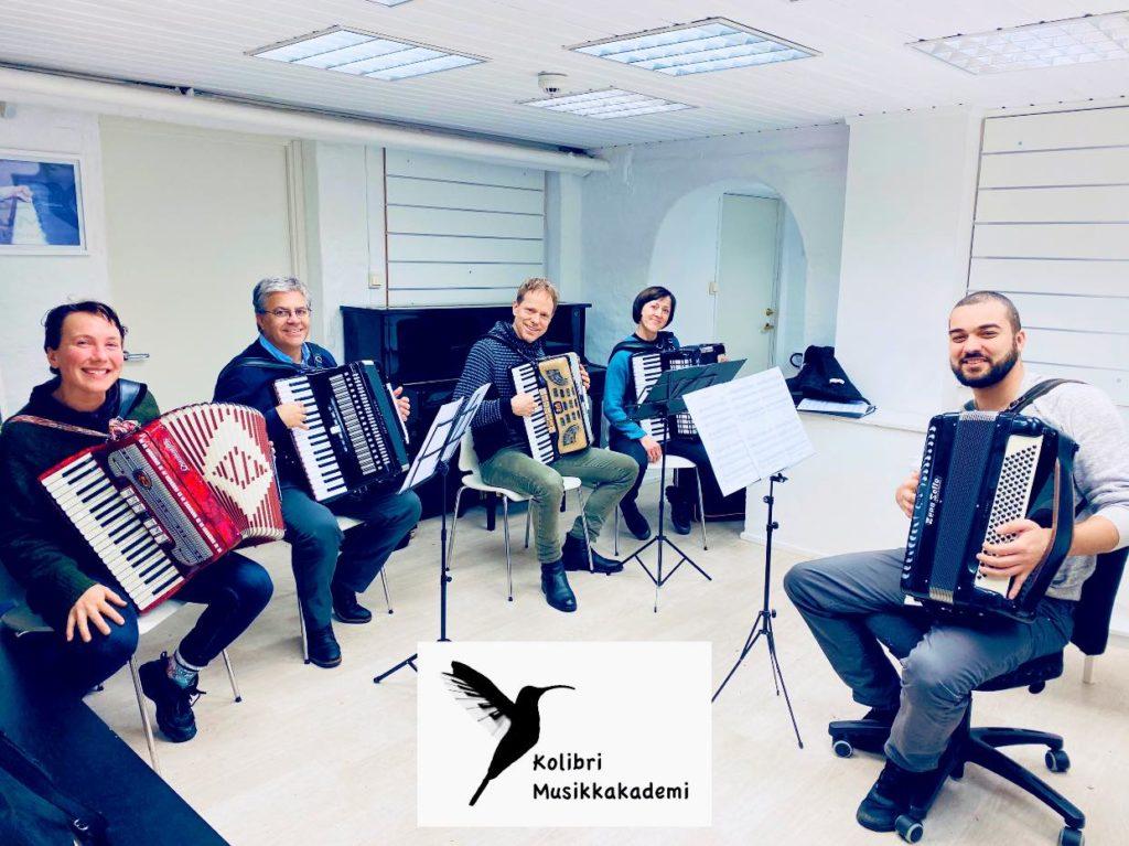 trekkspillorkester Oslo timen med trekkspillæreren