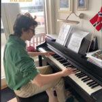 Leon spiller piano fantasie impromptu Chopin musikkskolen Oslo og Stavanger gitarkurs, pianokurs sangkurs, fiolinkurs